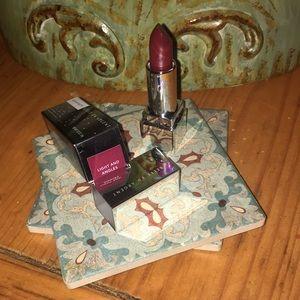 Belle en Argent lipstick Light and Angles matte